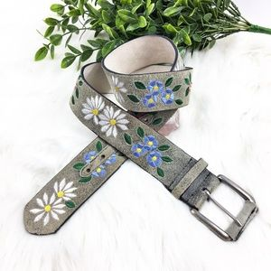 Accessories - Vintage Boutique Leather Floral Embroidered Belt